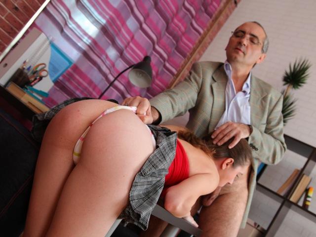 Смотреть порнуху онлайн учитель ебет студентку