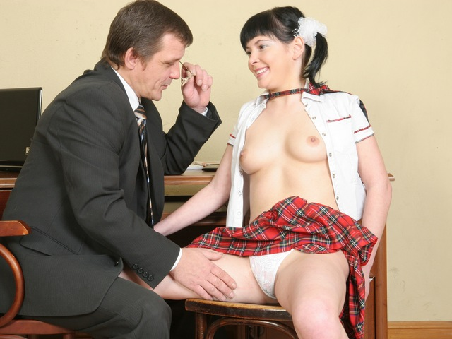 Innocent teen beauty screwed by her teacher