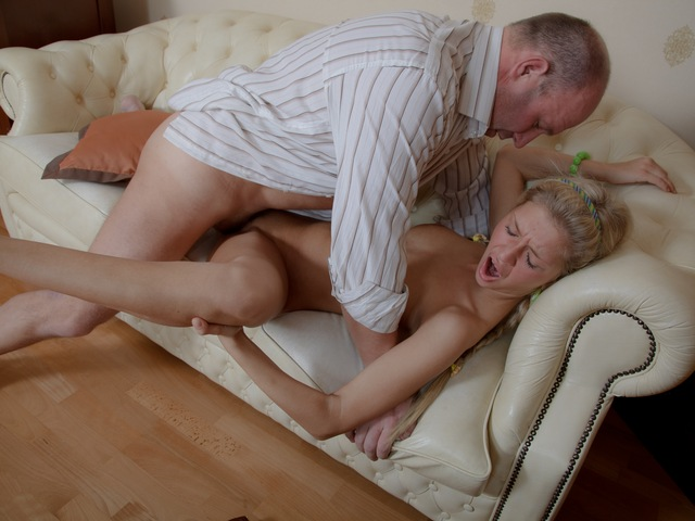 Coed Elisa sucks teacher's cock.